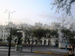 Plaza de Armas, dimineaţa devreme