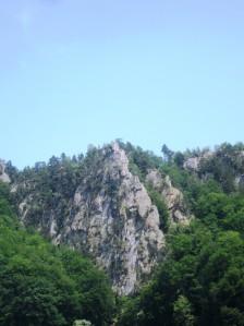 piramida cu piatra rotitoare