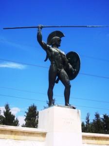 eroul grec, musculos şi... cam atât.
