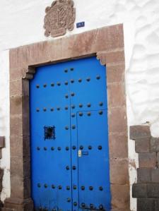 porţile, din nou porţile