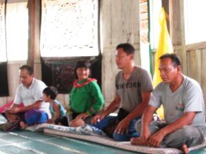 şamanii se pregătesc de terapie cu grupul